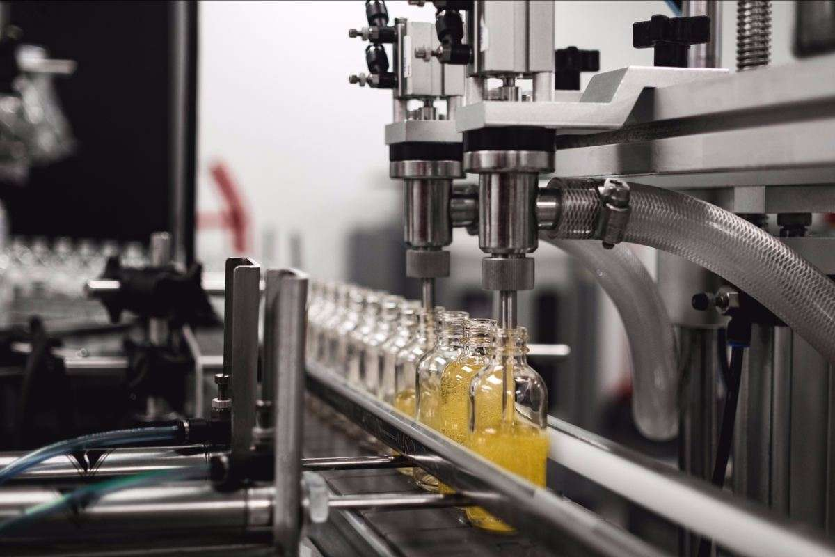 What products can be filled by automatic liquid filling machine?